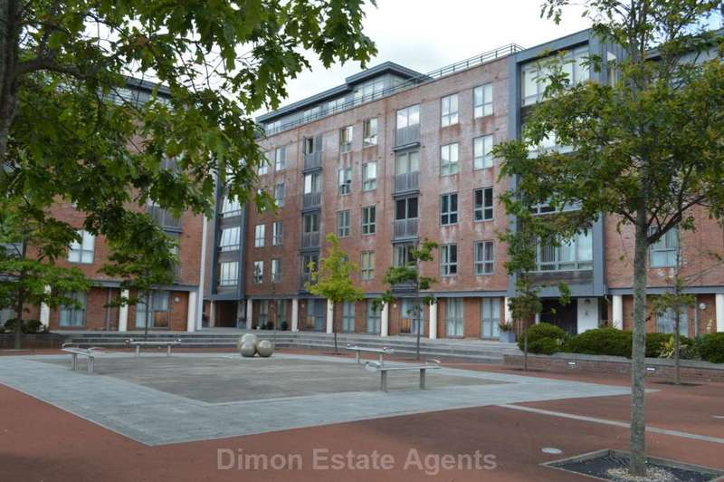 2 Bedrooms Flat for sale in Galleon Place, Weevil Lane