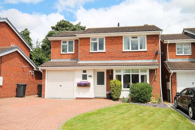 4 Bedrooms Detached House for sale in Caistor Close, Mile Oak, Tamworth, B78 3PT