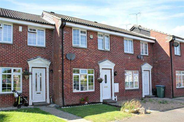 3 Bedrooms Terraced House for sale in Barque Close, Littlehampton, West Sussex, BN17