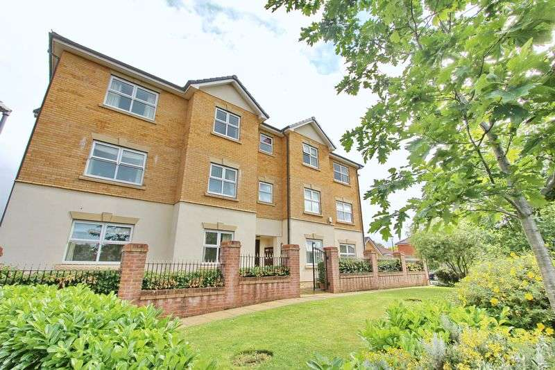 3 Bedrooms Flat for sale in Hampstead Drive, Whitefield, Manchester