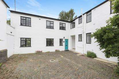 4 Bedrooms Link Detached House for sale in Parabola Close, Cheltenham, Gloucestershire