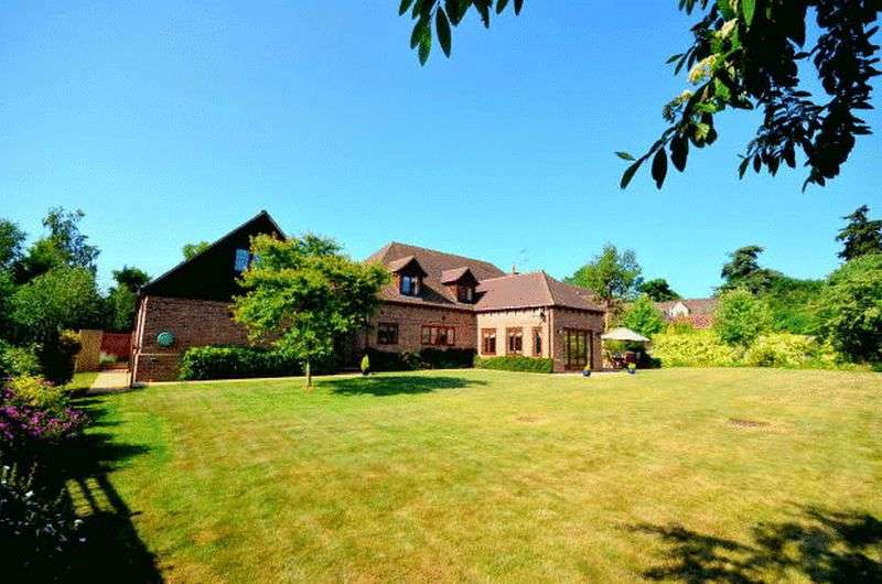5 Bedrooms Detached House for sale in Manor Farm Lane, Tidmarsh, Reading.