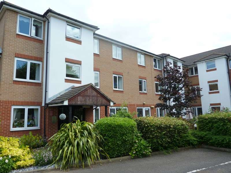 1 Bedroom Retirement Property for sale in Kennett Court, Oakleigh Close, Swanley