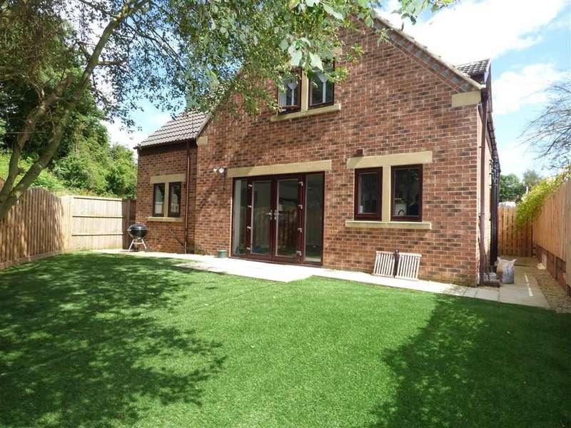 4 Bedrooms Property for sale in Wakefield Road, Clayton West, Huddersfield, HD8