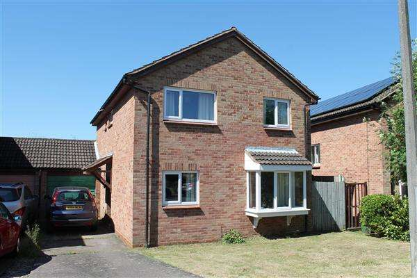 4 Bedrooms Detached House for sale in Seymour Road, Alcester, Alcester