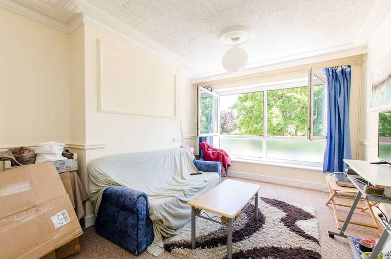 4 Bedrooms Flat for sale in Patrick Connolly Gardens, Bow, E3