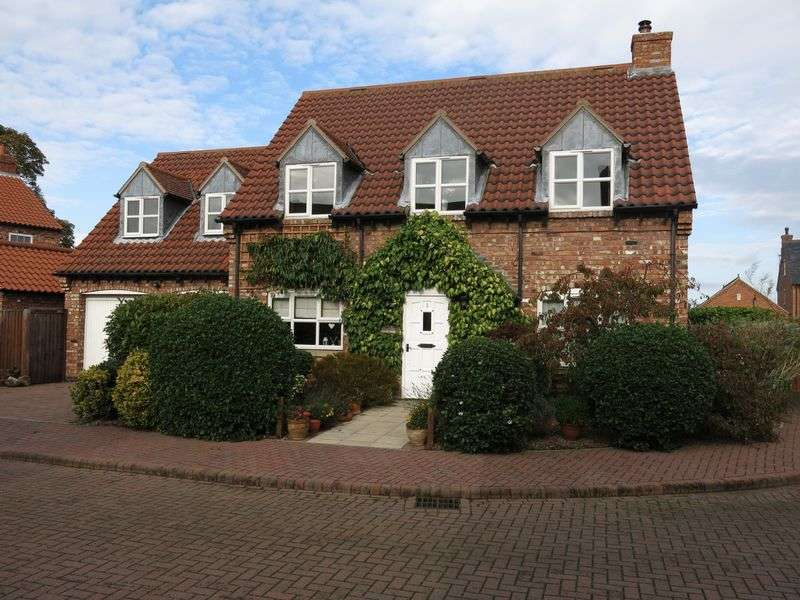4 Bedrooms Detached House for sale in Bramble Cottage, 1 Eyres Lane, North Scarle