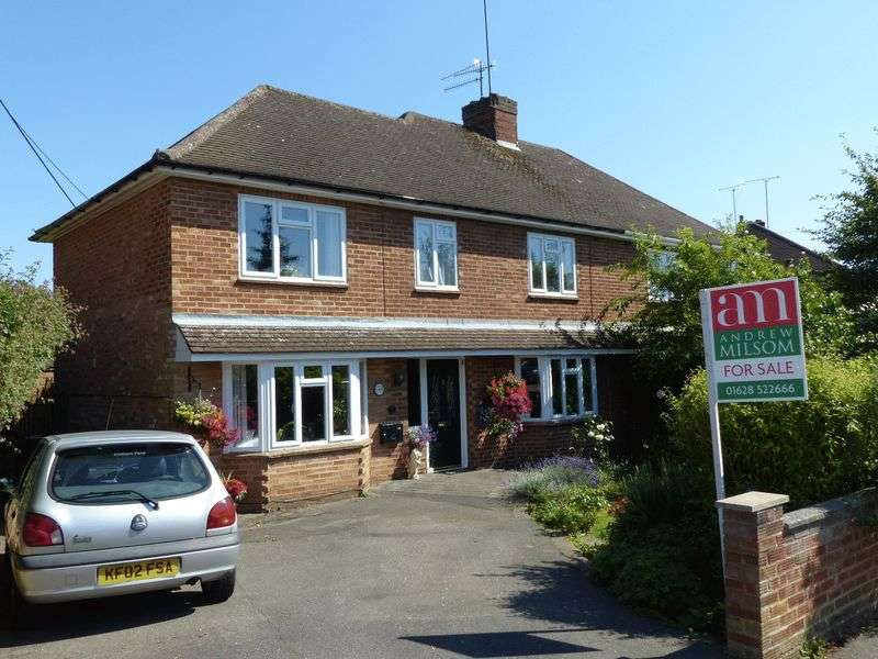 4 Bedrooms Semi Detached House for sale in Bourne End