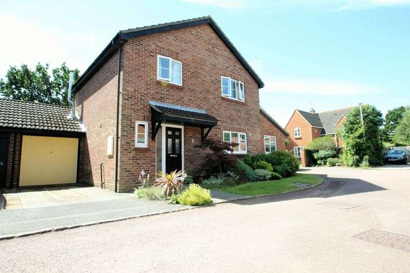 4 Bedrooms Detached House for sale in Holsworthy Close, Lower Earley, Reading RG6