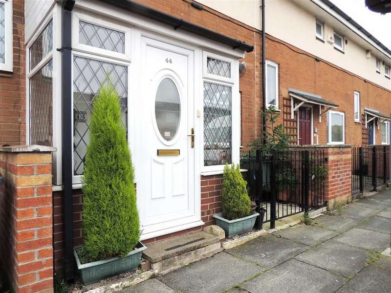 2 Bedrooms Property for sale in Winterford Avenue, Longsight, Manchester