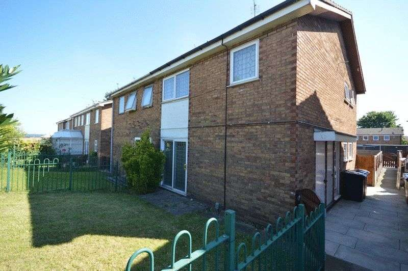 3 Bedrooms Semi Detached House for sale in Nidd Drive, Castleford