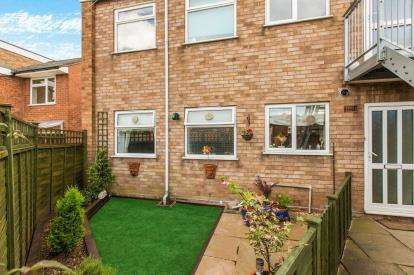 2 Bedrooms Flat for sale in Heralds Court, Humphris Street, Warwick