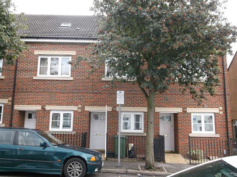 3 Bedrooms Terraced House for sale in Beaumont Place Brightwell Road, Watford