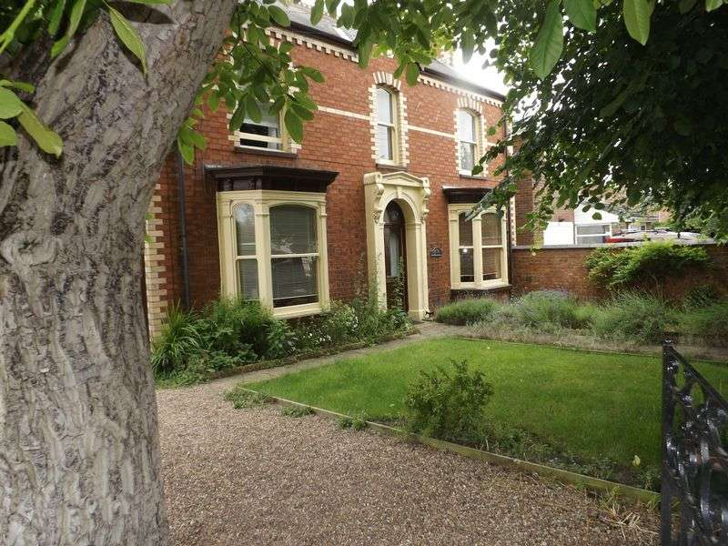 3 Bedrooms Detached House for sale in Chapman Street, MARKET RASEN