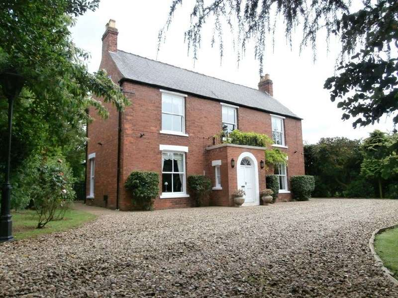 3 Bedrooms Property for sale in North Road, Halsham,