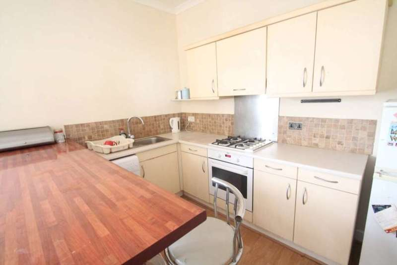 1 Bedroom Flat for sale in Britannia Road, Westcliff On Sea