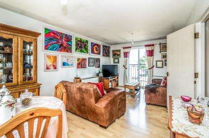 3 Bedrooms Flat for sale in Elizabeth Street, Manchester, Greater Manchester, Cheetham Hill