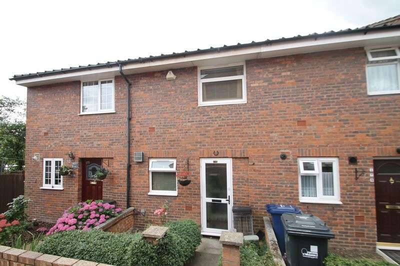 2 Bedrooms Terraced House for sale in Lancaster Road, Northolt, Middx