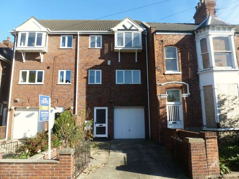 3 Bedrooms Terraced House for sale in ABBEY DRIVE EAST, GRIMSBY