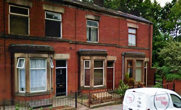 4 Bedrooms Terraced House for sale in Rochdale Old Rd, Bury, Lancashire, BL9 7LR
