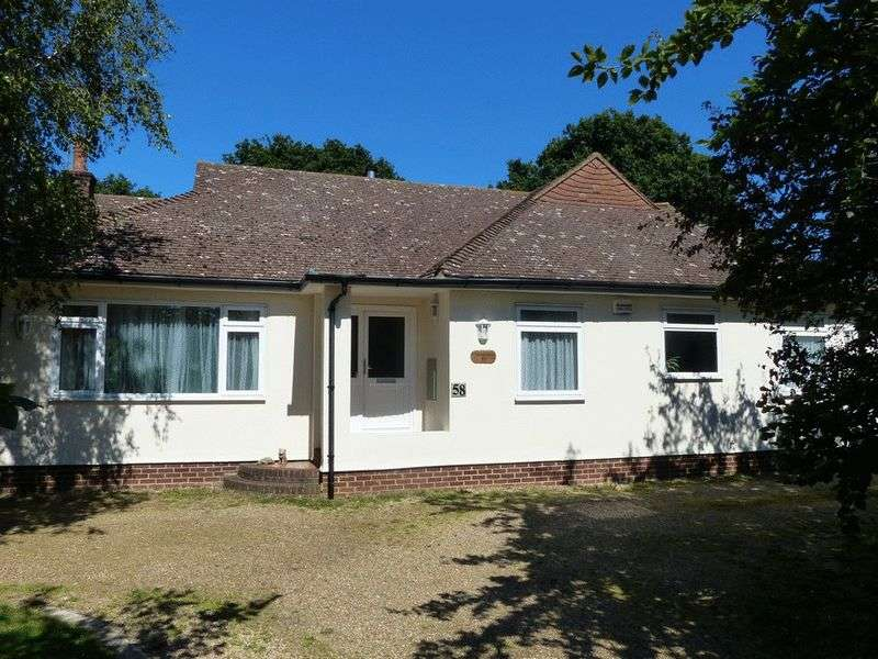 4 Bedrooms Detached Bungalow for sale in Headcorn Road, Biddenden