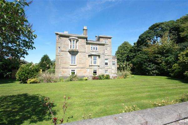 2 Bedrooms Apartment Flat for sale in Racecourse View, Ayr