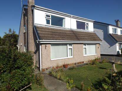 3 Bedrooms Detached House for sale in Taldrwst Estate, Dwyran, Anglesey, LL61