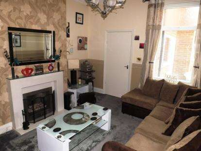 2 Bedrooms Flat for sale in Hyde Street, South Shields, Tyne and Wear, NE33