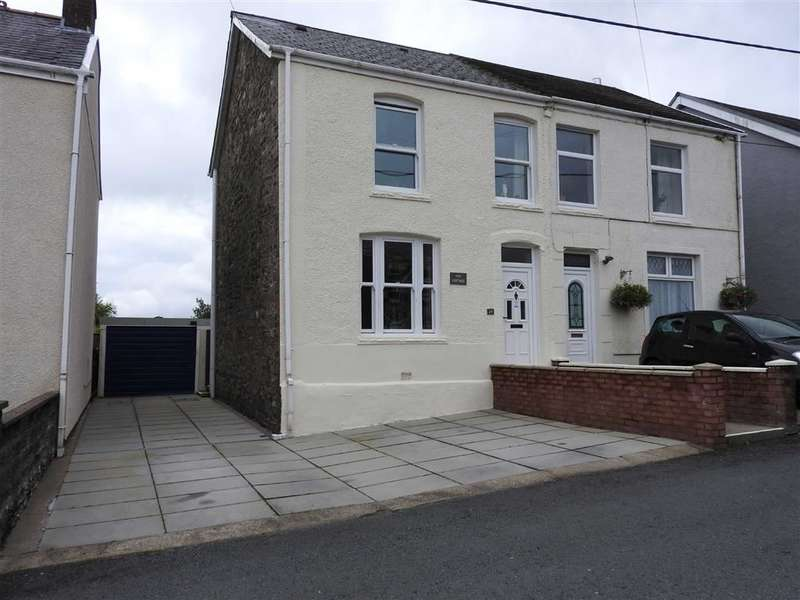 3 Bedrooms Property for sale in Station Road, Coelbren