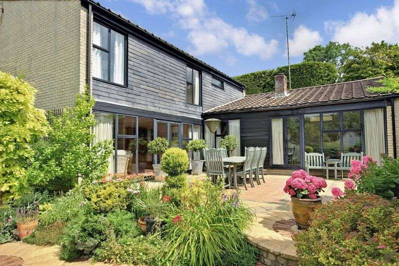 4 Bedrooms Detached House for sale in Springvale Road, Winchester