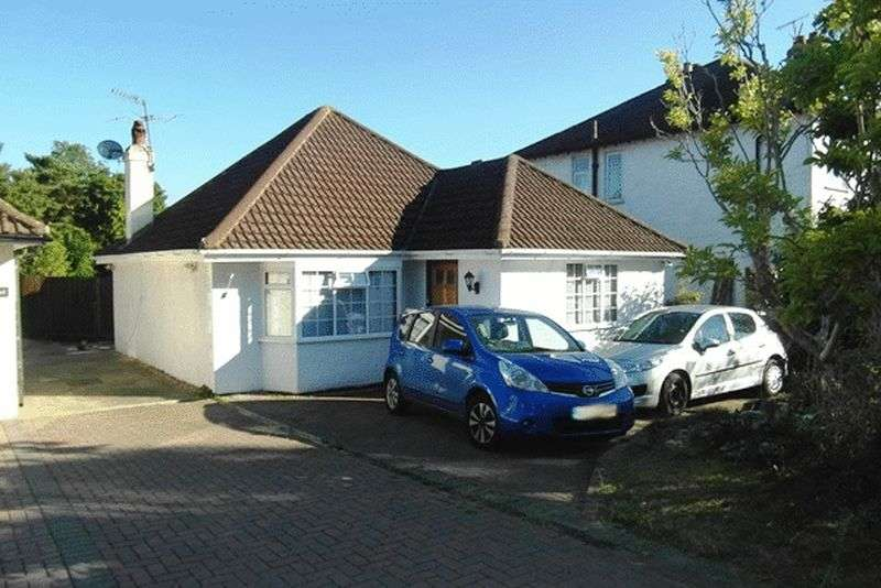 3 Bedrooms Detached Bungalow for sale in Slipshatch Road, REIGATE, Surrey