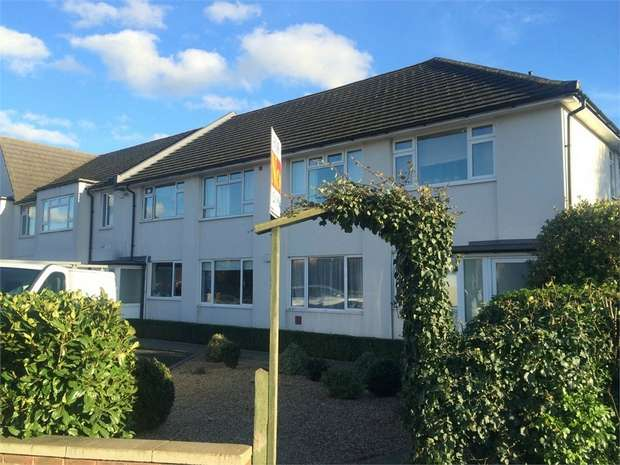 2 Bedrooms Maisonette Flat for sale in Ruxley Lane, West Ewell