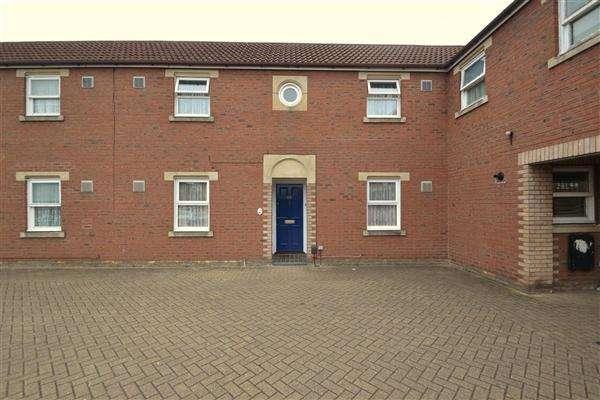 2 Bedrooms Terraced House for sale in Kilross Road, Bedfont