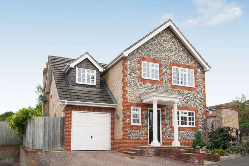 4 Bedrooms Detached House for sale in Springfield Road, Berkhamsted