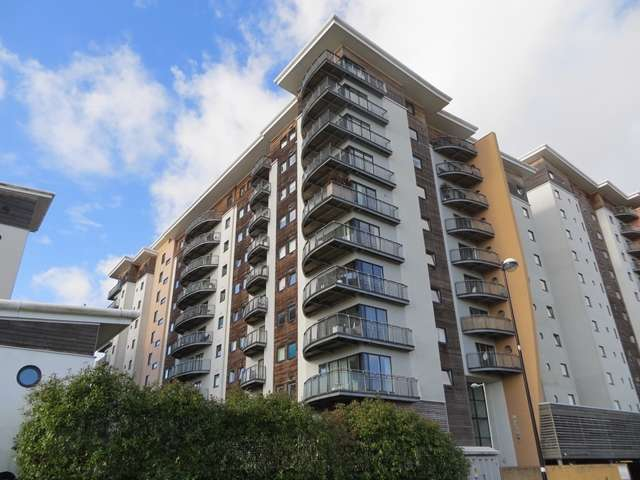 3 Bedrooms Apartment Flat for sale in VICTORIA WHARF - Immaculate 6th Floor, 3 Bedroom Apartment with undercroft parking and south east facing balcony