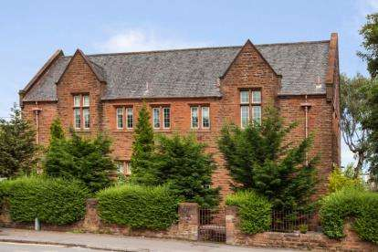 4 Bedrooms Flat for sale in Anniesland Road, Scotstounhill