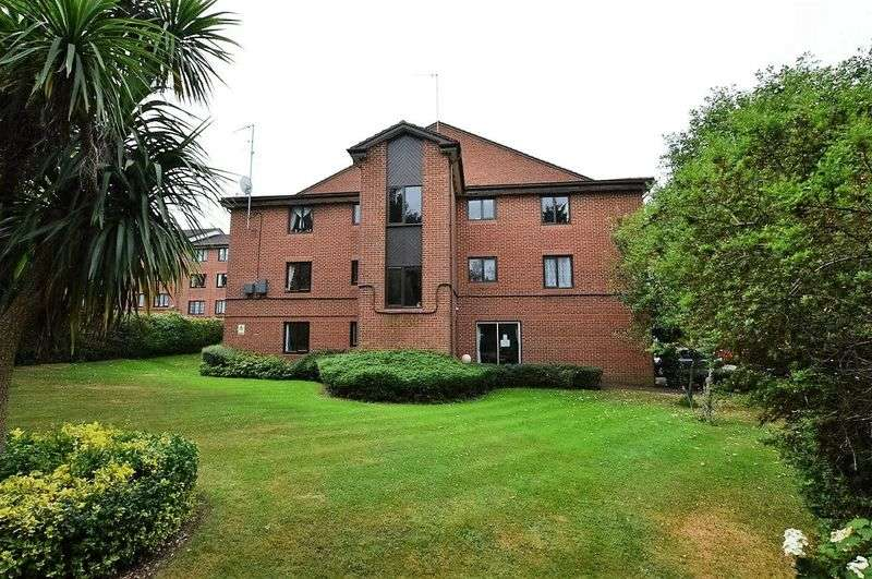 2 Bedrooms Flat for sale in Sherwood Road, Harrow