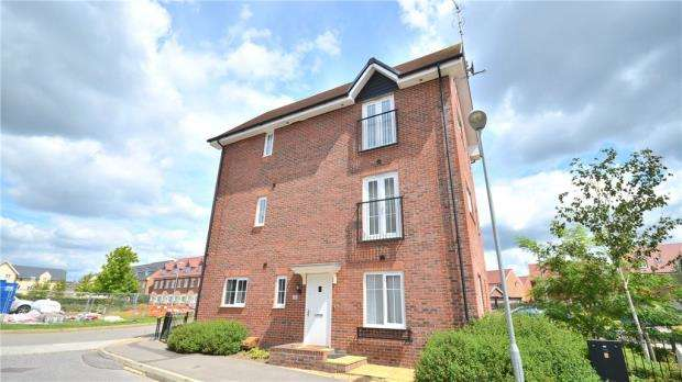2 Bedrooms Maisonette Flat for sale in Crane Road, Bracknell, Berkshire
