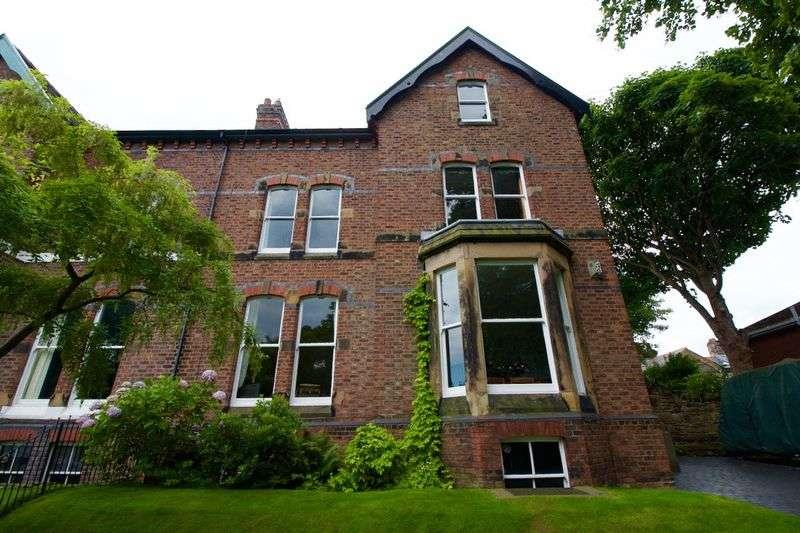 6 Bedrooms Semi Detached House for sale in Rose Mount, Prenton