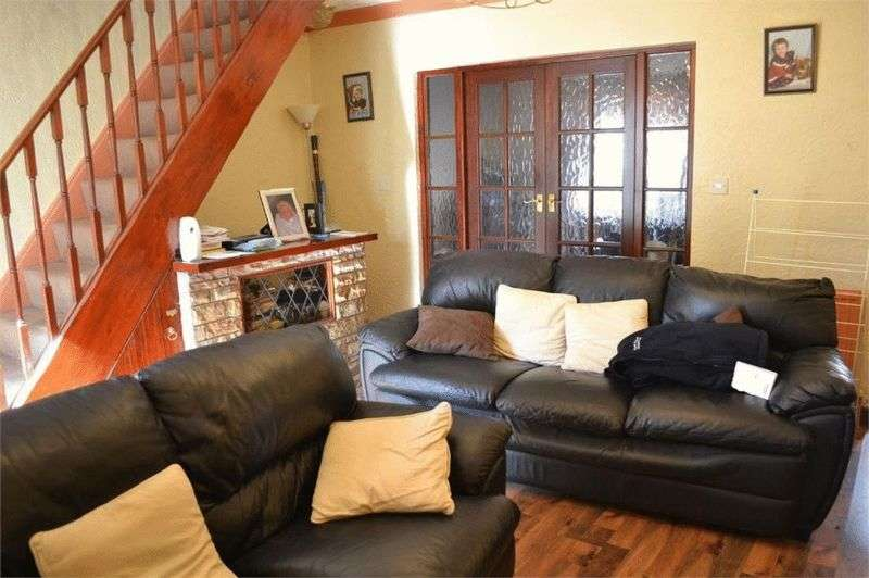 3 Bedrooms Terraced House for sale in Princes Crescent, Doncaster