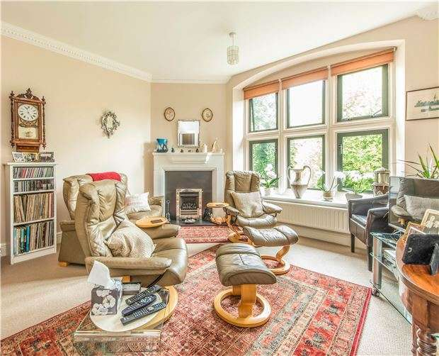 3 Bedrooms Flat for sale in Walcot Street, BATH, Somerset, BA1