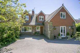 3 Bedrooms Detached House for sale in Crowborough Road, Nutley, Uckfield, East Sussex