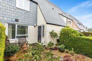 3 Bedrooms Terraced House for sale in Croft Mead, Chichester, West Sussex, England