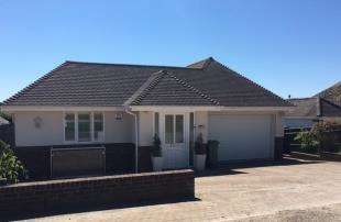 4 Bedrooms Bungalow for sale in Findon Avenue, Saltdean, Brighton, East Sussex