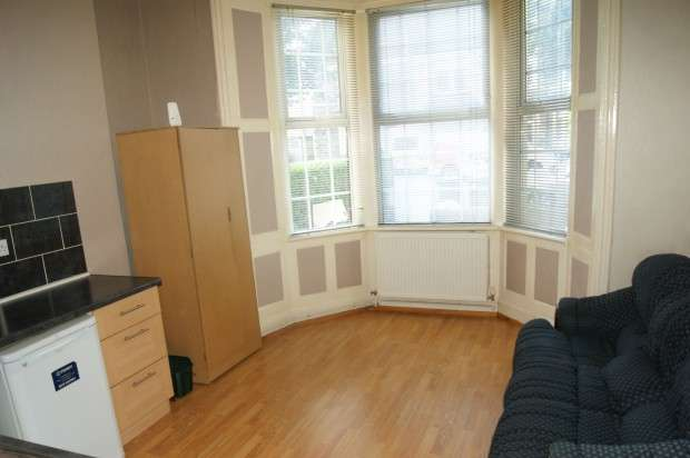 1 Bedroom Flat for rent in Ground Floor Front Stacey Road, Cardiff, CF24