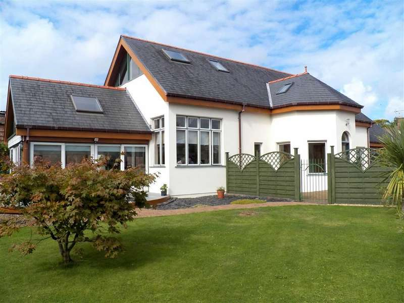 4 Bedrooms Detached House for sale in Grove Place, Haverfordwest