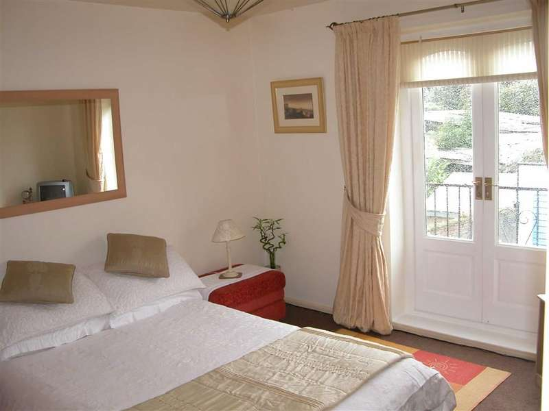 2 Bedrooms Property for sale in Mereside Terrace, HORNSEA, East Riding Of Yorkshire