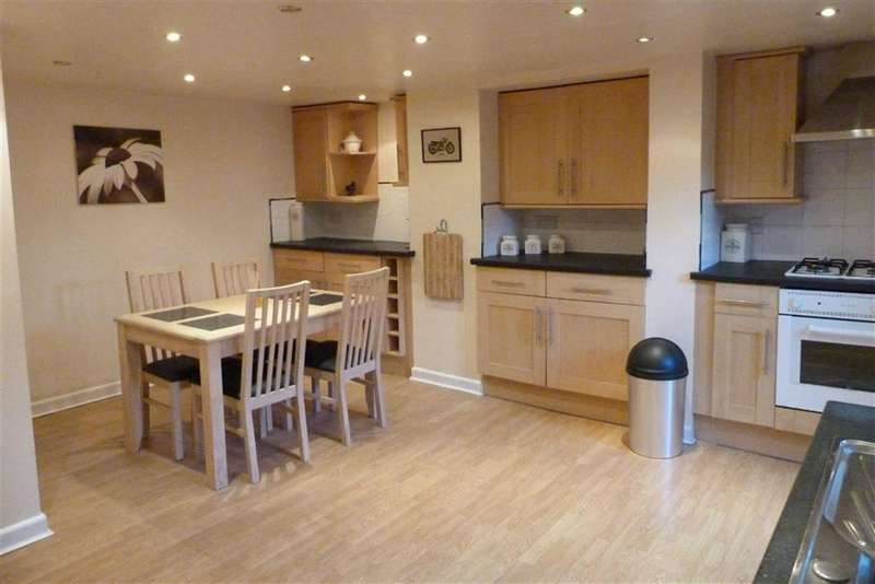 2 Bedrooms Property for sale in 12, Church Avenue, Crosland Moor, Huddersfield