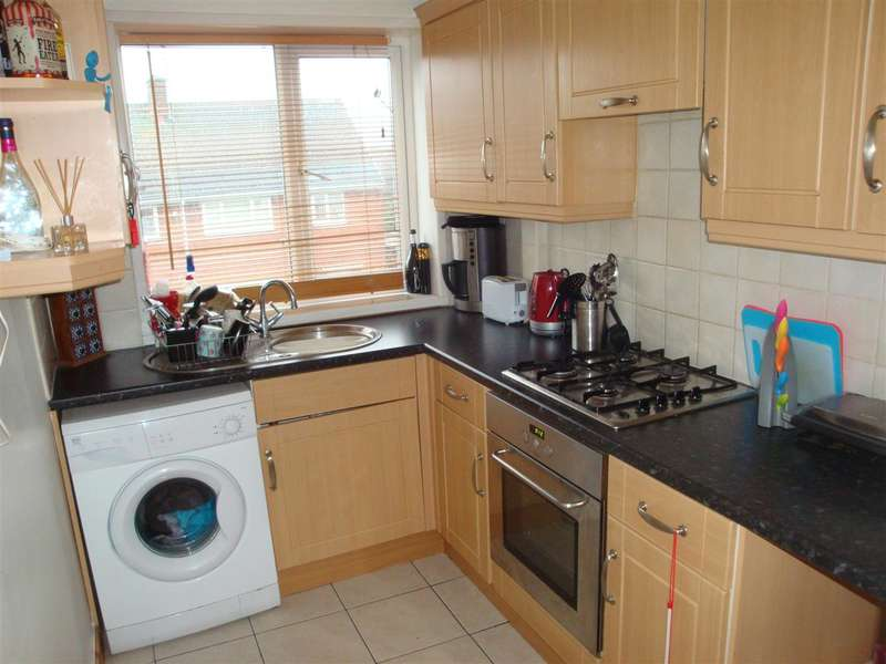 3 Bedrooms Flat for sale in 10 and 10a Aymer Drive, Thurcroft, Rotherham S66 9PS