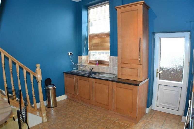 3 Bedrooms Property for sale in Ladbrooke Road, Ashton-under-lyne, Lancashire, OL6